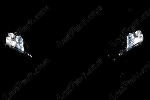 pack ampoules de feux phares xenon effect pour hyundai genesis. Black Bedroom Furniture Sets. Home Design Ideas