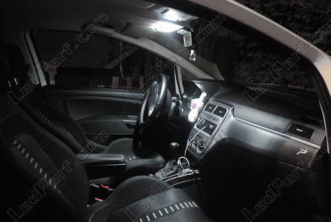 pack full leds int rieur pour fiat grande punto et punto evo. Black Bedroom Furniture Sets. Home Design Ideas