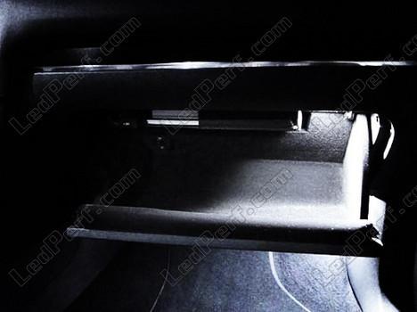 LedPerf.com - Eclairage automobile à Leds [Reduction] Pack_blanc_led_xenon_Volkswagen_Golf_6_tuning_boite_a_gants_1