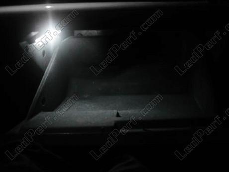 [PARTENARIAT] LedPerf.com - Eclairage automobile à LEDS Pack_blanc_led_xenon_opel_vectra_gts_boite_a_gants_1