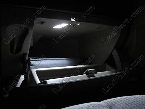 [Reduction] LedPerf.com : Eclairage Auto à Leds Eclairage_Boite_a_gants_Blanc_pur_luxe_Renault_Megane_2_xenon_led_tuning_1