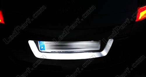[Reduction] LedPerf.com : Eclairage Auto à Leds Eclairage_Plaque_Blanc_pur_luxe_Renault_Megane_2_xenon_led_tuning_1