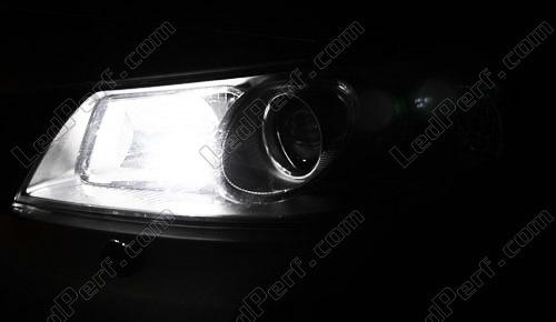 [Reduction] LedPerf.com : Eclairage Auto à Leds Eclairage_Veilleuse_Blanc_xenon_luxe_Renault_Megane_2_xenon_led_tuning_1