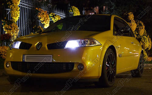 [Reduction] LedPerf.com : Eclairage Auto à Leds Eclairage_Veilleuse_Blanc_xenon_luxe_Renault_Megane_2_xenon_led_tuning_1x