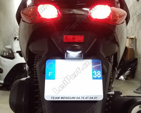 pack leds plaque d 39 immatriculation pour yamaha x max 125 2006 2009. Black Bedroom Furniture Sets. Home Design Ideas