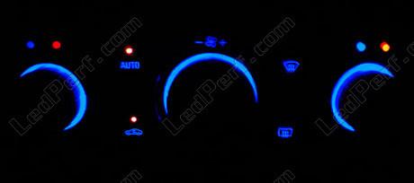 [PARTENARIAT] LedPerf.com - Eclairage automobile à LEDS Climatisation_bleu_opel_vectra_c
