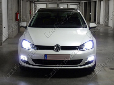 pack ampoules de feux phares xenon effect pour volkswagen golf 7. Black Bedroom Furniture Sets. Home Design Ideas