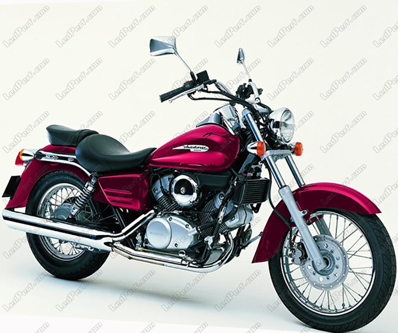phares additionnels led pour moto honda vt 125. Black Bedroom Furniture Sets. Home Design Ideas