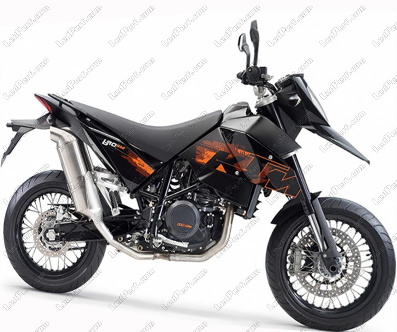 phares additionnels led pour moto ktm supermoto 690. Black Bedroom Furniture Sets. Home Design Ideas