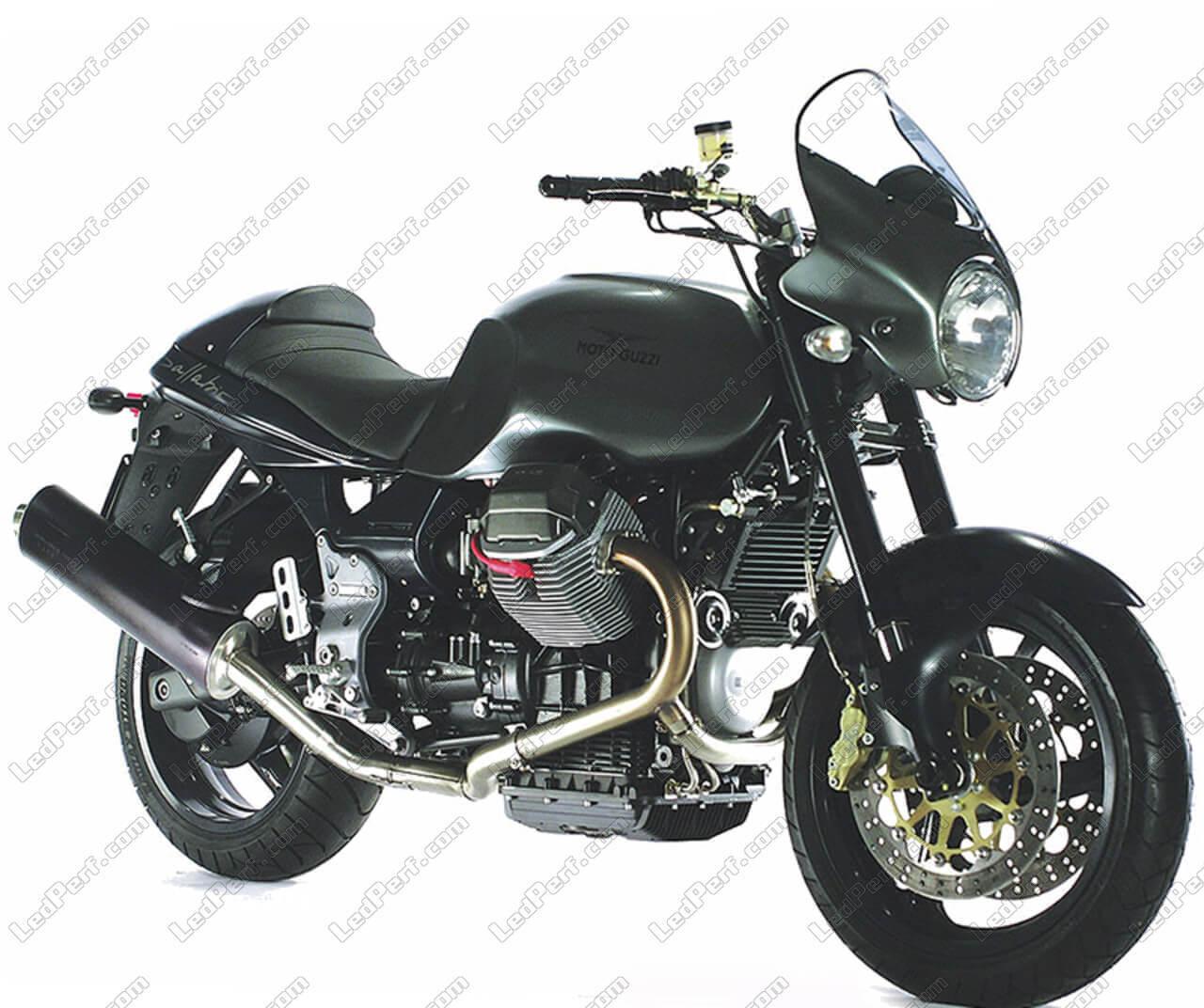 phares additionnels led pour moto moto guzzi v 11 sport ballabio. Black Bedroom Furniture Sets. Home Design Ideas