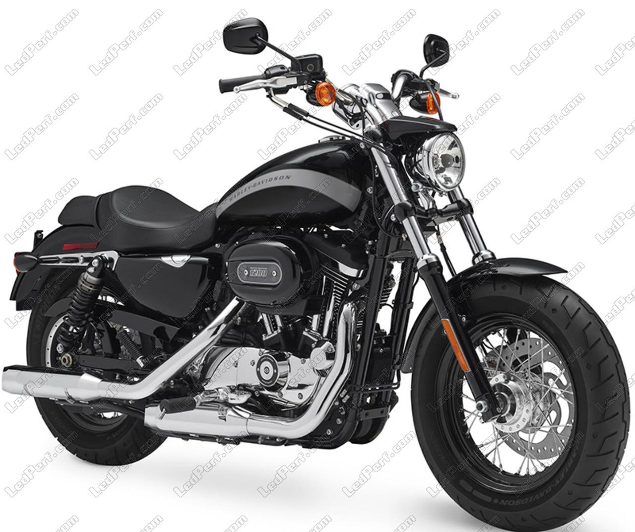 phares additionnels led pour moto harley davidson custom 1200 2011 2018. Black Bedroom Furniture Sets. Home Design Ideas