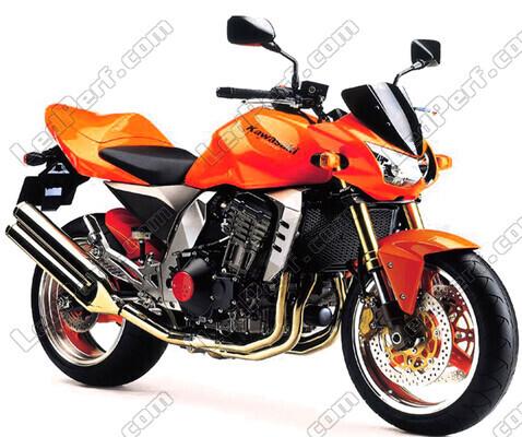 moto kawasaki orange