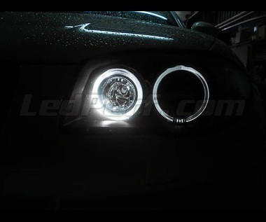 pack leds angel eyes pour bmw serie 1 phase 2 e81 e82 e87 e88. Black Bedroom Furniture Sets. Home Design Ideas