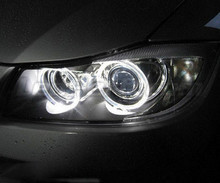 Pack angel eyes à leds pour BMW Serie 3 (E90 - E91) Phase 1 - MTEC V4.0 - Avec xénon d'origine